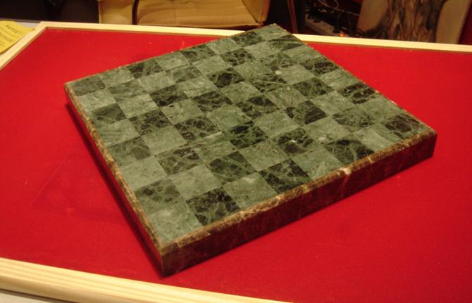 Изготовление каменной шахматной доски