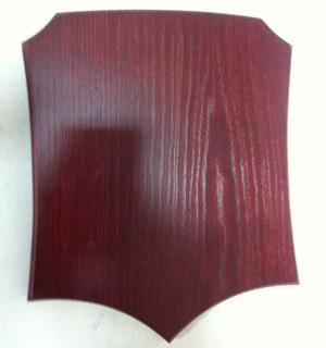Фигурная деревянная плакетка